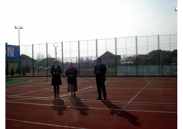 Iaugurare teren de sport multifuncțional Fărcașa