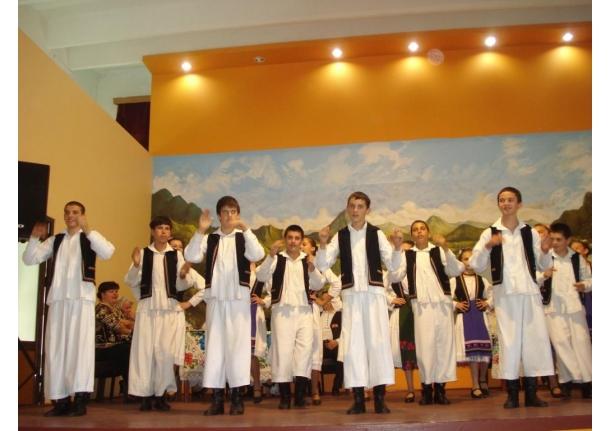 Spectacol închinat Zilei Eroilor și lansare de CD-13 mai 2010