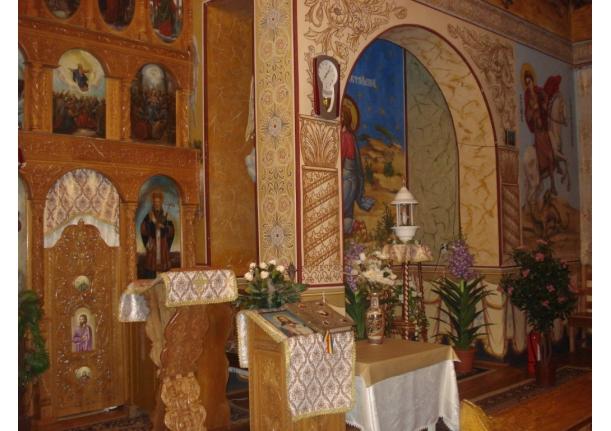 Biserica Sîrbi interior