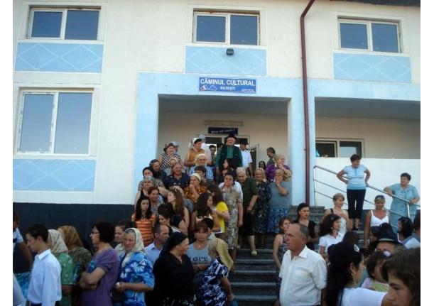 Întâlnirea FIILLOR SATULUI BUZEȘTI 15 august 2011