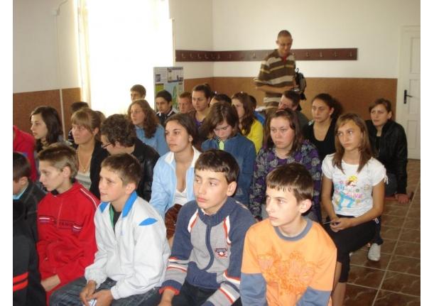 Ziua Europei sărbătorită la Biblioteca comunală Fărcașa