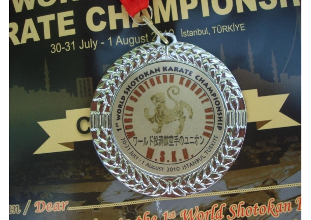 Flaviu Armas din Fărcașa  vicecampion mondial la Karate