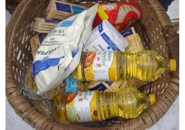 Acțiune de distribuire a ajutoarelor alimentare persoanelor defavorizate și văduvelor