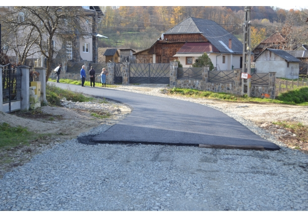 Asfaltari drumuri comunale,noiembrie 2014