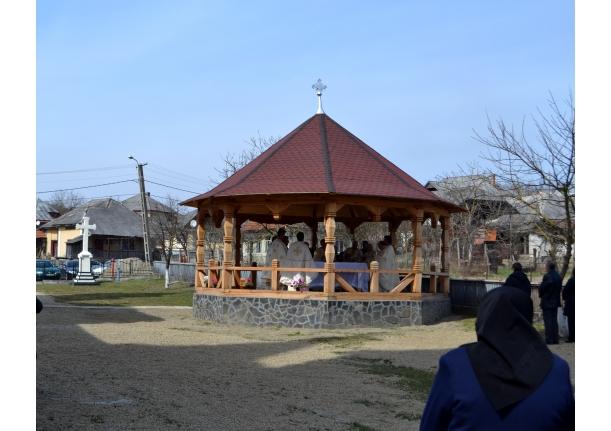 Sfintirea altarului de vara la Biserica ortodoxa Farcasa