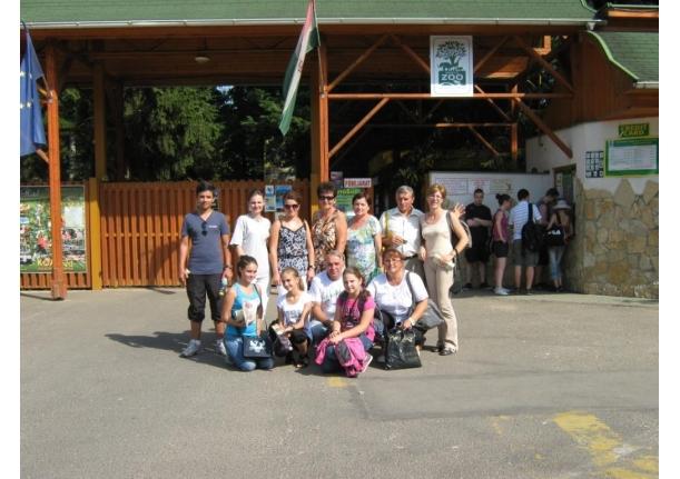 Premianții de la Școala Fărcașa în excursie la ZOO în Ungaria